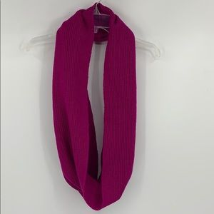 UNDERARMOR plum infinity knitted scarf